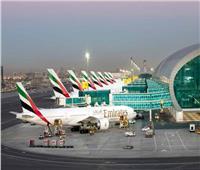 الإمارات تعيد فتح المطارات أمام حركة الترانزيت