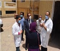 نائب محافظ المنيا يتابع سير العمل بمستشفى الفكرية بمركز أبوقرقاص