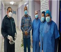 الطاقم الطبي بعزل كفر الدوار يحتفل بشفاء مستشار محافظ الإسكندرية