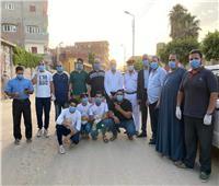 صور| شباب مدينة الإبراهيمية بالشرقية يطهرون الشوارع ويوزعون الكمامات على الأهالي