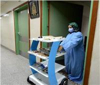 فيديو| جامعة المنصورة تخترع أول «روبوت» للتعامل مع المرضى