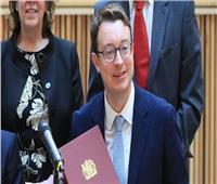 وزير بريطاني يفسر احتلال بلاده المرتبة الثانية في وفيات فيروس كورونا