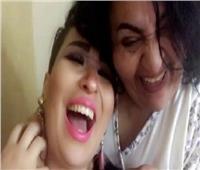 النيابة تأمر بحبس «شيري هانم» وابنتها بتهمة خدش الحياء