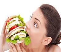 4 عادات خاطئة تسبب زيادة الوزن