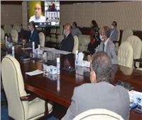 وزير الإسكان يعقد 3 اجتماعات عبر تقنية الفيديوكونفرانس لمدة 5 ساعات