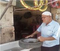 بعد انتشار صوره في «ورشة الكاوتش».. حسين أبو حجاج: «عمري ما اعتمدت على الفن»