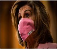 نانسي بيلوسي تلزم النواب ارتداء الأقنعة