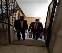 صور| نائب محافظ القاهرة يتفقد مدرسة الحرية بحي الزاوية الحمراء
