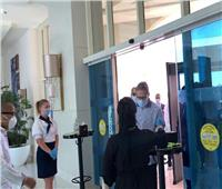 وزير السياحة يتفقد الضوابط والاشتراطات بأحد فنادق الغردقة