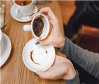 حكايات| سؤال وجواب حول «قراءة الفنجان».. لماذا انفردت المرأة وحدها بهذه المهنة؟