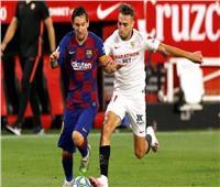 أشبيلية يفرض على برشلونة تعادلاً صعبًا في قمة الليجا