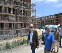 رئيس جامعة الإسكندرية يتفقدإنشاءات مجمع الكليات الجديد بأبيس