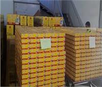 شرطة البيئة والمسطحات: ضبط 26 طن مواد غذائية داخل مصنع غير مرخص
