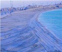 شاهد  استعدادات مكثفة لتجهيز شواطئ مطروح تمهيدا لافتتاحها