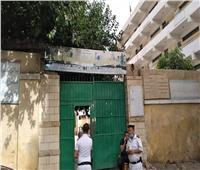 غلق أبواب اللجان لتجهيز طلاب الثانوية العامة لأداء امتحان اللغة العربية في المنيل
