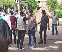 فيديو وصور.. بوابات تعقيم وإجراءات وقائية مشددة بمدرسة السلام الثانوية بشبرا