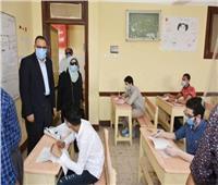 هدوء بلجان الثانوية العامة بالشرقية.. ونقل طالبتين للمستشفى للاشتباه بإصابتهما بكورونا