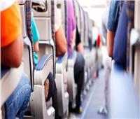 هل المطبوعات والمشروباتعلى متن الطائرات تنقل كورونا؟