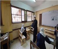 وكيل الأزهر يتفقد امتحانات الثانوية ويطمئن الطلاب على عملية التصحيح