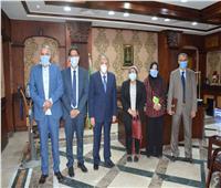 محافظ المنيا يبحث مع وفد انقاذ الطفولة تفعيل برنامج التعاون بـ7 قرى بملوي