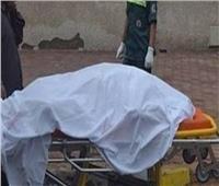 العثور على جثة بائع خردة مقتولًا أمام مركز شرطة فرشوط