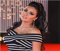 رانيا يوسف تتصدر التريند بسبب إطلالتها الصيفية