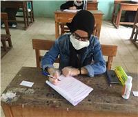 بدء توافد طلاب الثانوية الأزهرية على اللجان استعدادا لدخول الامتحان