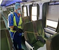 صور| تواصل أعمال تعقيم القطارات بهيئة السكة الحديد