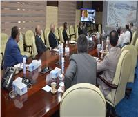 وزير الإسكان يتابع بالفيديو كونفرانس المشروعات الجاري تنفيذها بمدينة العبور الجديدة