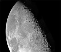 الكشف عن سر الجانب المظلم من القمر