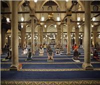 صور| جنسيات مختلفة بـ«الكمامة والمصلية».. تفاصيل أول صلاة بالجامع الأزهر بعد انقطاع 3 أشهر