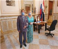 روسية زوجة قاض مصري تُدلي بأول صوت في الاستفتاء على التعديلات الدستورية الروسية