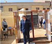 محافظ المنيا يتابع سير امتحانات الثانوية العامة بعدد من لجان مركز أبوقرقاص
