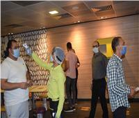 محافظ المنيا يتابع تطبيق المطاعم والمقاهي للإجراءات الوقائية