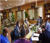 محافظ أسوان يترأس الاجتماع الدوري لخلية إدارة أزمة كورونا