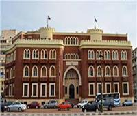 جامعة الإسكندرية: متابعة إجراءات التعقيم خلال الامتحانات وتوزيع المطهرات والكمامات