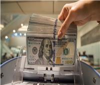 الرئيس اللبناني يبحث مع البنك المركزي جهود معالجة وضع الليرة وضبط ارتفاع الدولار