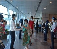 صور| محافظ البحر الأحمر يستقبل أول طائرة سياحة قادمة من أوكرانيا بمطار الغردقة