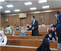 رئيس جامعة دمنهور يتفقد سير لجان امتحانات الفرق النهائية