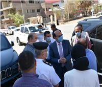 محافظ أسوان يتابع إجراءات إلغاء سير سيارات الكبوت بطريق السادات