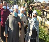 نائب محافظ القليوبية تزور حملة شبابية تدعم مصابي «كورونا» بقرية طحلة