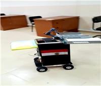طلاب حاسبات القناة صنعوا روبوت لتوزيع أوراق الإمتحانات وتقديم الوجبات والدواء