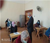 رئيس جامعة المنوفية يتفقد سير الامتحانات النهائية للفرقة الرابعة بالتربية النوعية