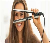 تجنبي العدوى وصففي شعرك بنفسك.. وهذه خطوات تنظيف «مكواة الشعر»