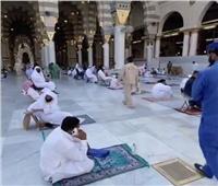 فيديو| ماء زمزم هدايا للمصلين في الحرم النبوي