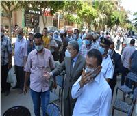 محافظ المنيا يوجه بتجهيز مكان بديل بجوار بنك ناصر لتقليل الزحام والتكدس