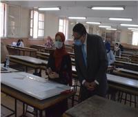 رئيس جامعة بنها يتفقد الامتحانات بهندسة شبرا ويفتتح متحف علوم قسم المساحة