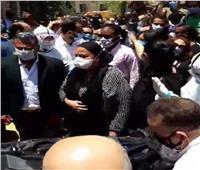 ابنة رجاء الجداوي توجه الشكر للطاقم الطبي بمستشفى أبو خليفة