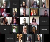 «مايا مرسي» تناقش أهم قضايا المرأة مع عدد من طلاب الجامعة الأمريكية
