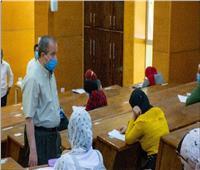 رئيس جامعة السويس يتفقد امتحانات طلاب العلوم والتربية